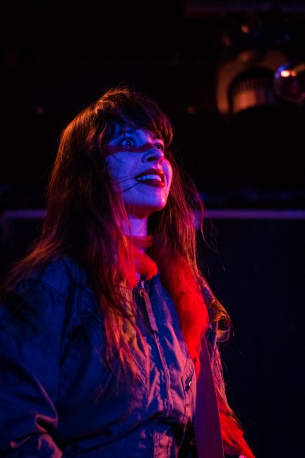 le-butcherettes-at-the-workmans-club-photo-by-stephen-white-13
