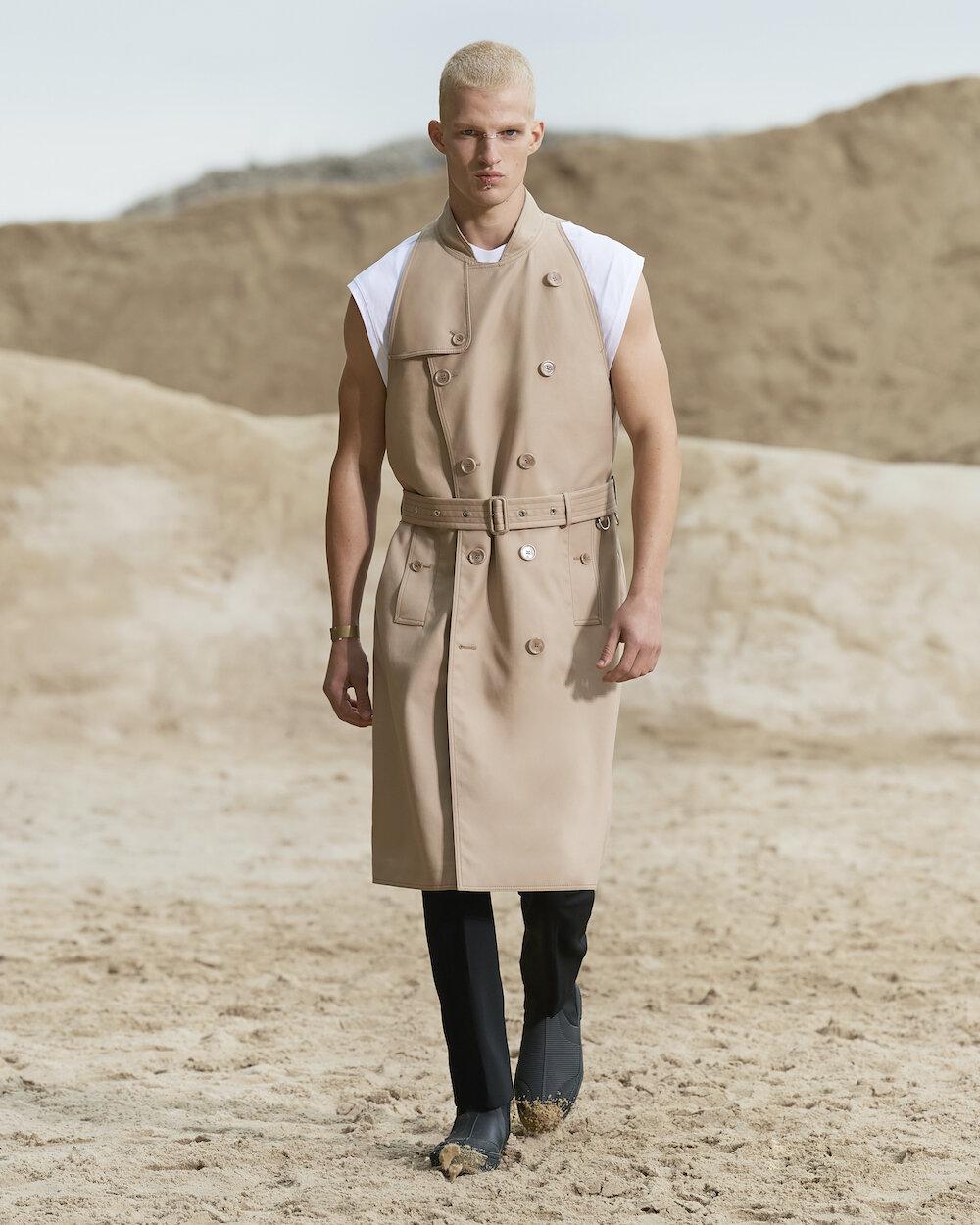Burberry Spring_Summer 2022 Menswear Presentation Collection - Look 1 - Matteo.jpg