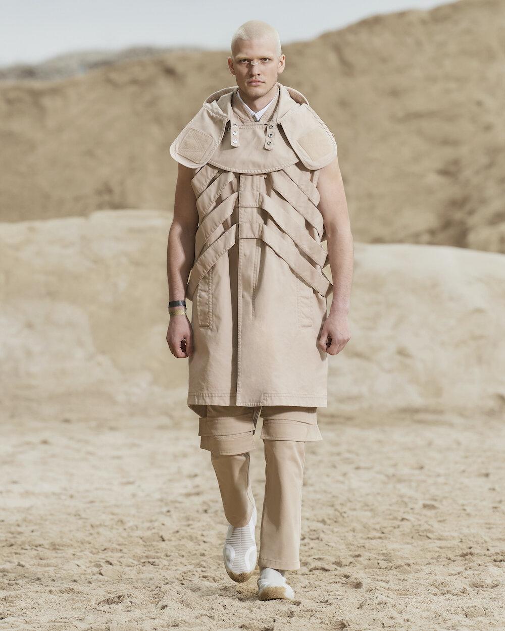 Burberry Spring_Summer 2022 Menswear Presentation Collection - Look 19 - Daniil.jpg