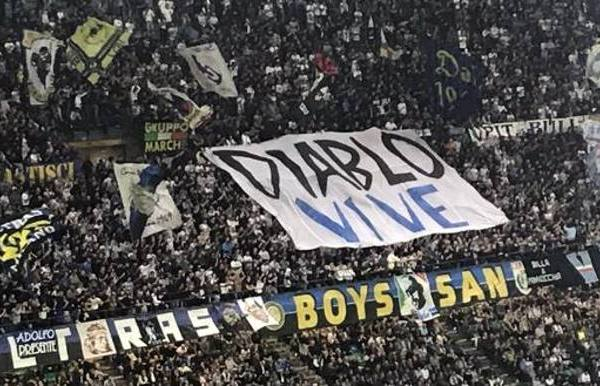 Diablo Vive banner in memory of Fabrizio Piscitelli - Source - Gazzetta