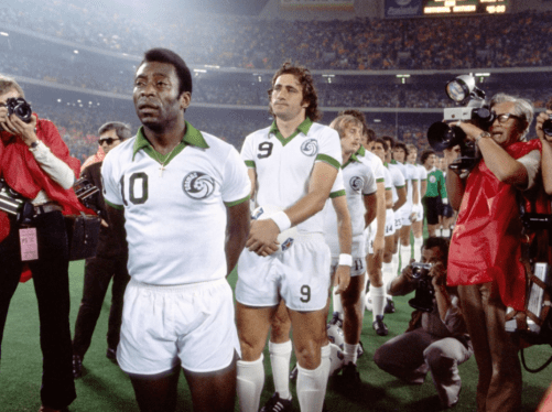 Pele, Chinaglia and the New York Cosmos were the biggest show in North American sports, Source- Wikimedia