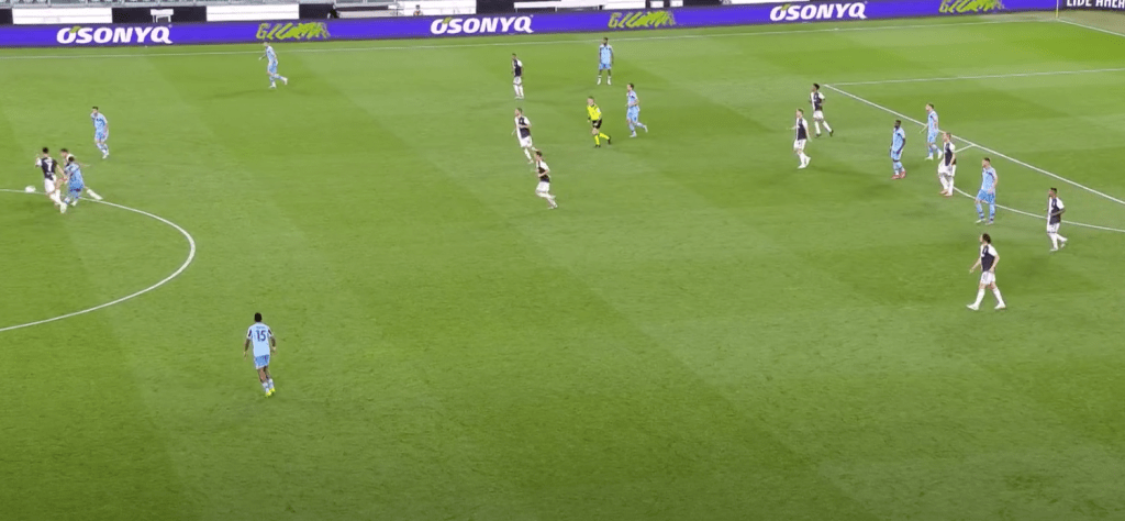2019/20 Serie A, Matchday 34, Juventus vs Lazio: Luiz Felipe Takes a Poor First Touch and Paulo Dybala Steals the Ball