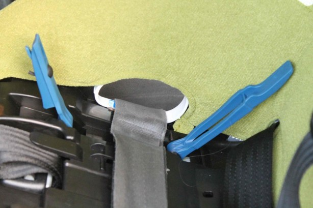 clek Foonf rear-facing seat belt install lock off clips