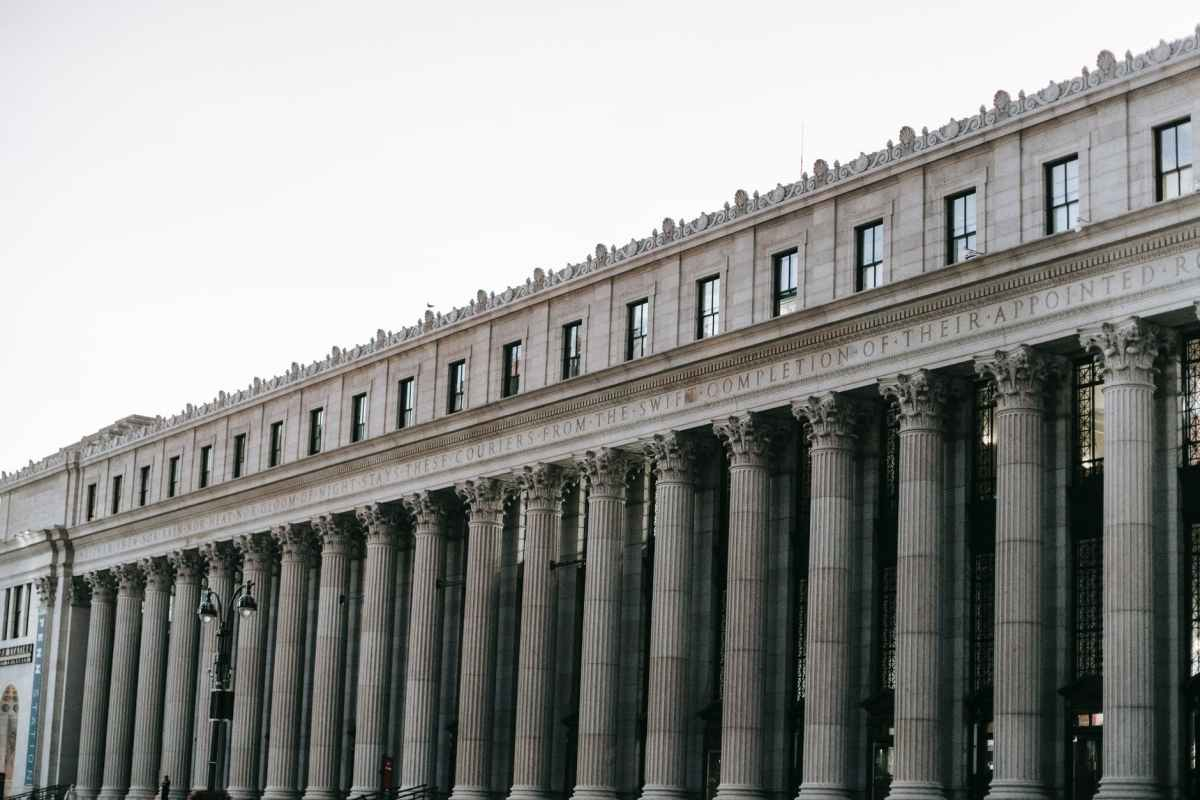 historic construction of post office in new york city