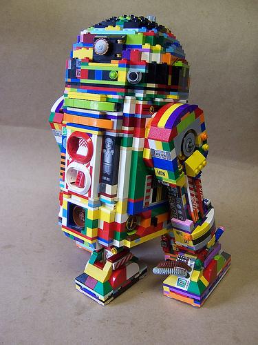 Lego R2-D2 Rainbow