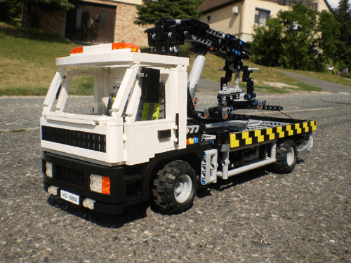 Tow-Truck-MOC