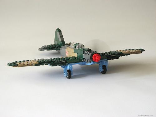 Lego Ilyushin II-2