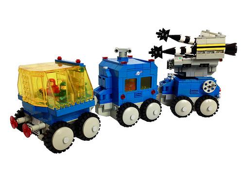 Lego Classic Space Satellite Launcher