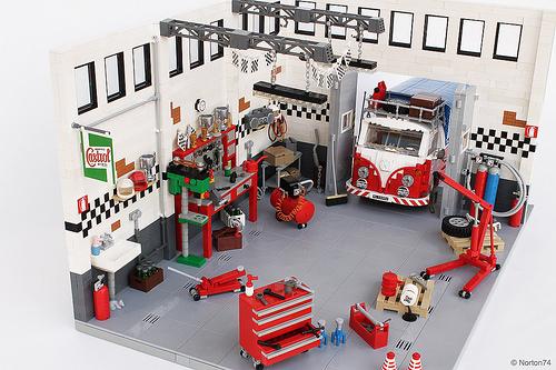 Lego VW Transporter Garage