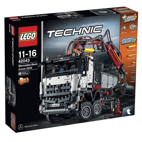 Lego Technic 42043 Mercedes-Benz Review
