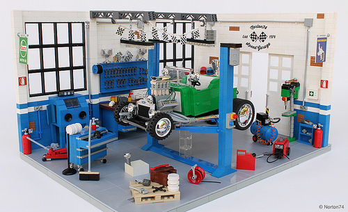 Lego Hot Rod Garage