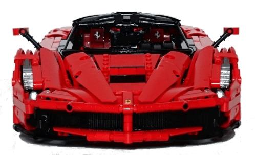 Lego Technic Ferrari LaFerrari 1:9