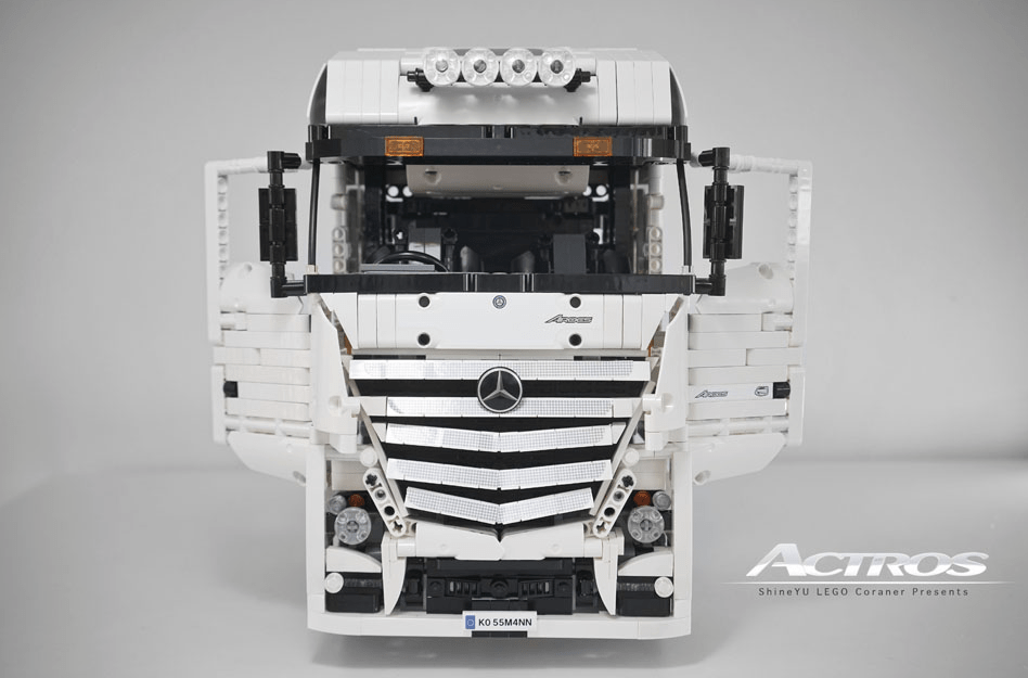 Lego Technic Mercedes-Benz Actros 8x4 Truck