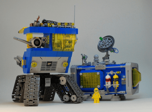 Lego Classic Space Command Centre
