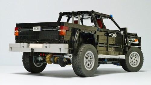 Lego Technic Toyota Tacoma 4x4