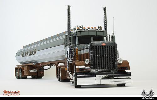 Lego Peterbilt 379 Tanker Truck Bricksonwheels
