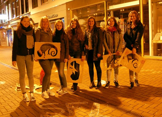 Guilty of no crime, these girls stood proud with their gecko stencils.