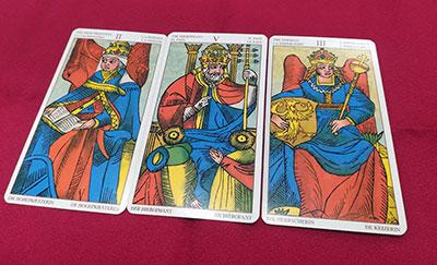 女教皇、教皇、女帝のカード