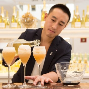 Mixologist and competition winner Kan Zuo