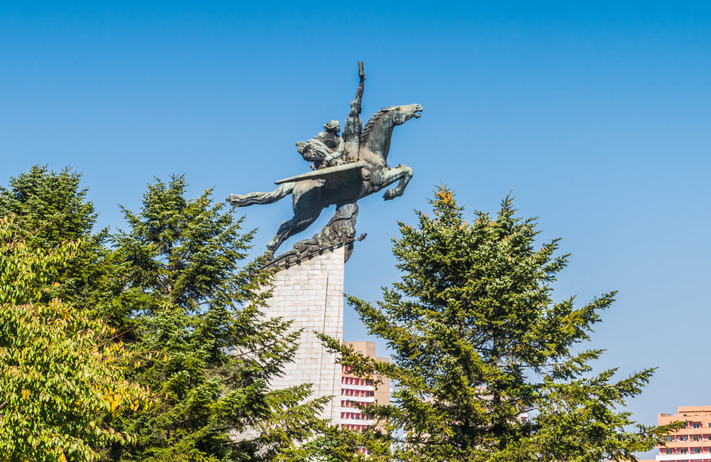 Chollima Statue