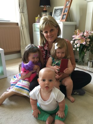 Stu's mum with all her grandchildren!