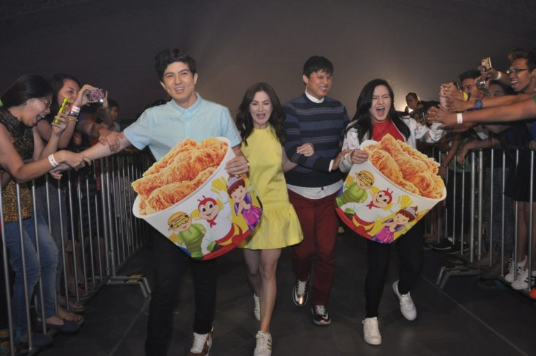(From left) Jollibee family Cassy, Zoren, Carmina, and Mavy Legaspi introduce the new, limited-edition #PinoyAndProud Chickenjoy bucket design, featuring the Jolly Friends in their Filipiniana outfits.