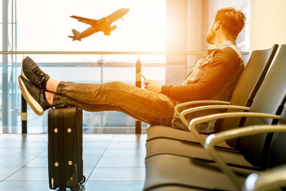 Cómo encontrar vuelos baratos y viajar por el mundo