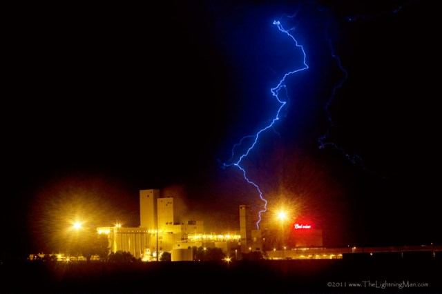 Budweiser Lightning Strike 800s Budweiser Lightning Strike