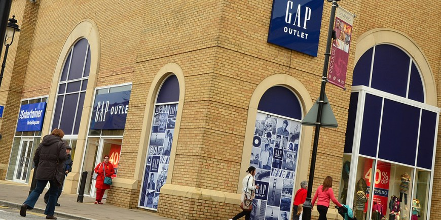 Gap-Store-Opening-25-10-2012-SS-1