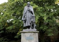 tennyson_statue