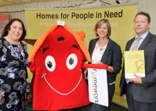 (L-R) Jessica Lee MP, Framework Mascot Roofus, Lilian Greenwood MP and Karl McCartney MP at the launch of the scheme.