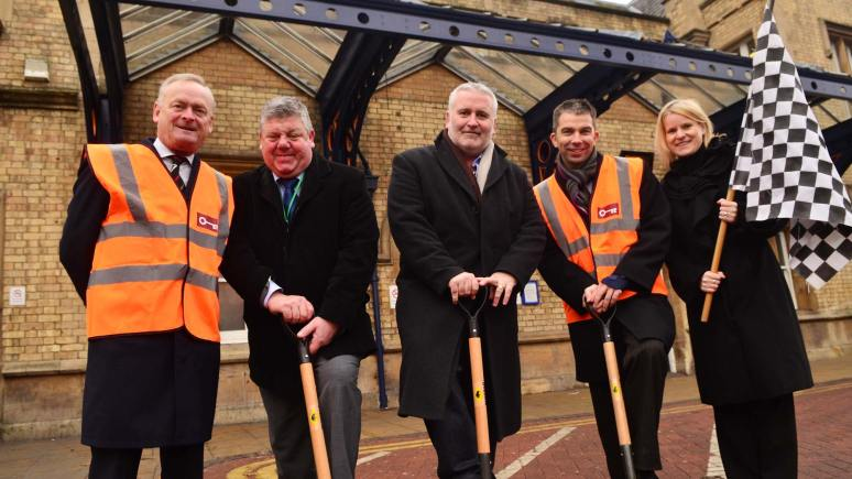 Works begin (L-R): Robert Kirkland, Director, Bowner & Kirkland, Chris Briggs, Head of Transportation, Lincoln County Council, Councillor Kinch, Cabinet Member for Transport, Neil Micklethwaite, Customer Services Director at East Midlands Trains and Lisa Angus, Customer Manager at Network Rail. Photo: Steve Smailes for The Lincolnite