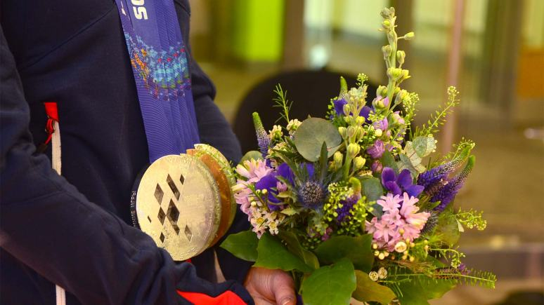 Jade was presented with flowers when she visited Bishop Grosseteste University. Photo: Steve Smailes for The Lincolnite
