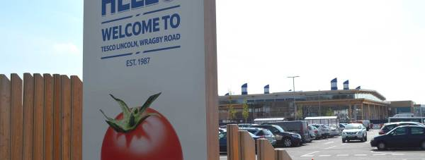 New building and signage for the Tesco Extra off Wragby Road in Lincoln.