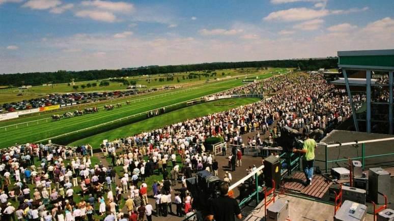 Market-Rasen-Racecourse