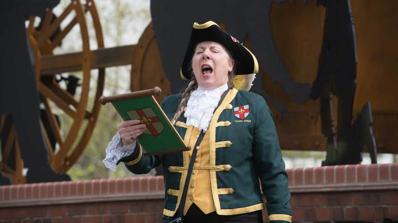 Lincoln Town crier Karen Crow. Photo: Steve Smailes for The Lincolnite