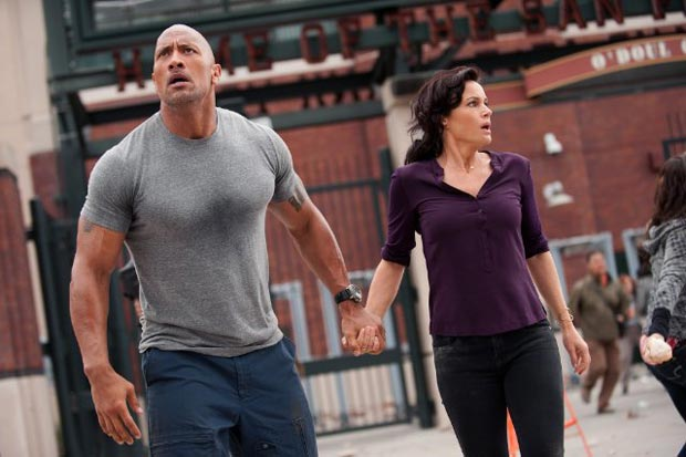 Carla Gugino and Dwayne Johnson in San Andreas (2015). Photo: Warner Bros. Entertainment Inc.