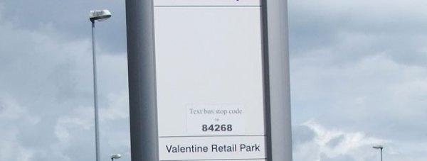 Bus_stop,_Tritton_Road,_Lincoln,_England_-_DSCF1548