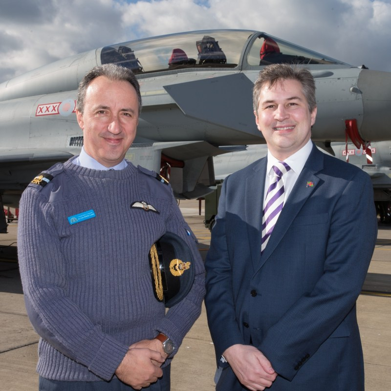(L-R) Air Commodore Chris Luck, Commandant of the RAF College Cranwell and Lincoln College Group CEO Gary Headland.