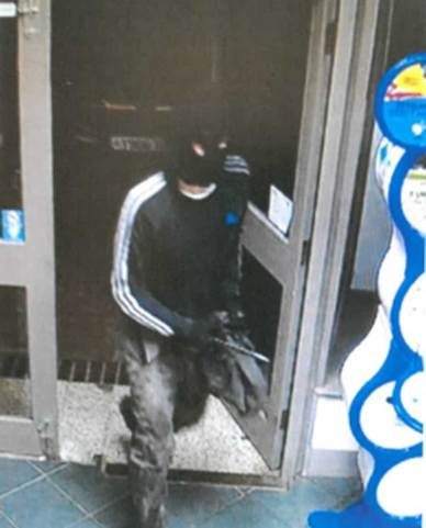 CCTV capture of the suspect in the Woodfield Avenue Spar shop robbery on March 26, 2016