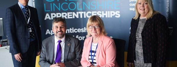 LCG CEO Gary Headland and GIG CEO Gill Alton signed a memorandum of understanding this week.