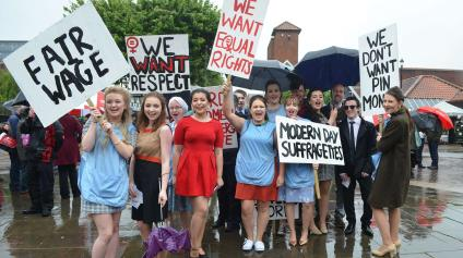 Students from Lincoln College said they decided to make use of the crowds to promote their upcoming production.