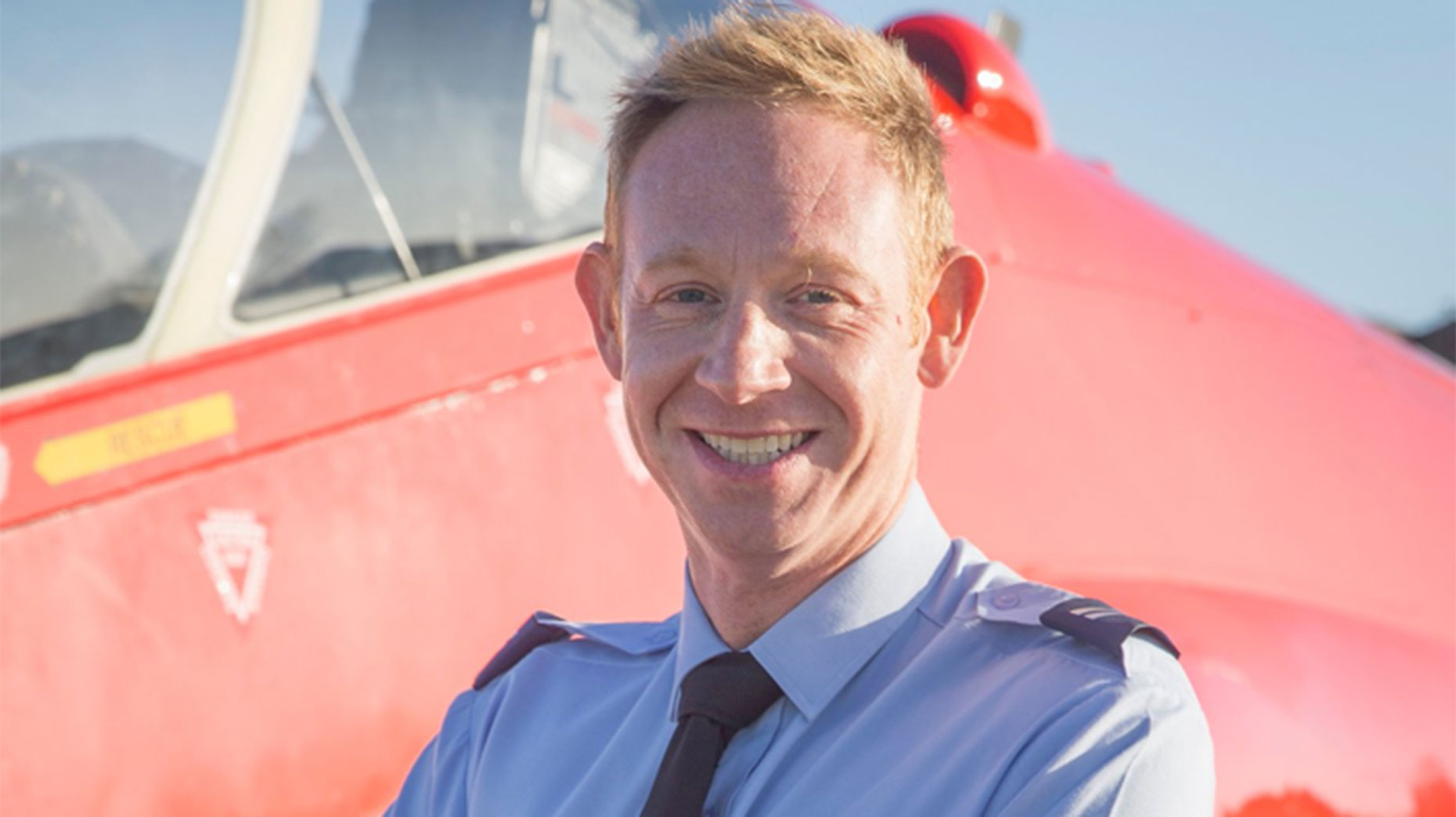 Red Arrows pay tribute to flier killed in jet crash