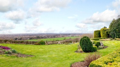 Red Hall Farm has a plot of about 0.8 acre. Photo: Savills