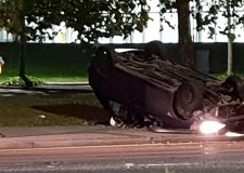 Car flips onto roof at Lincoln roundabout