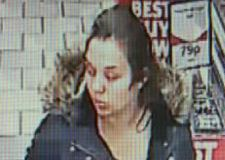 Purse stolen in brazen supermarket theft