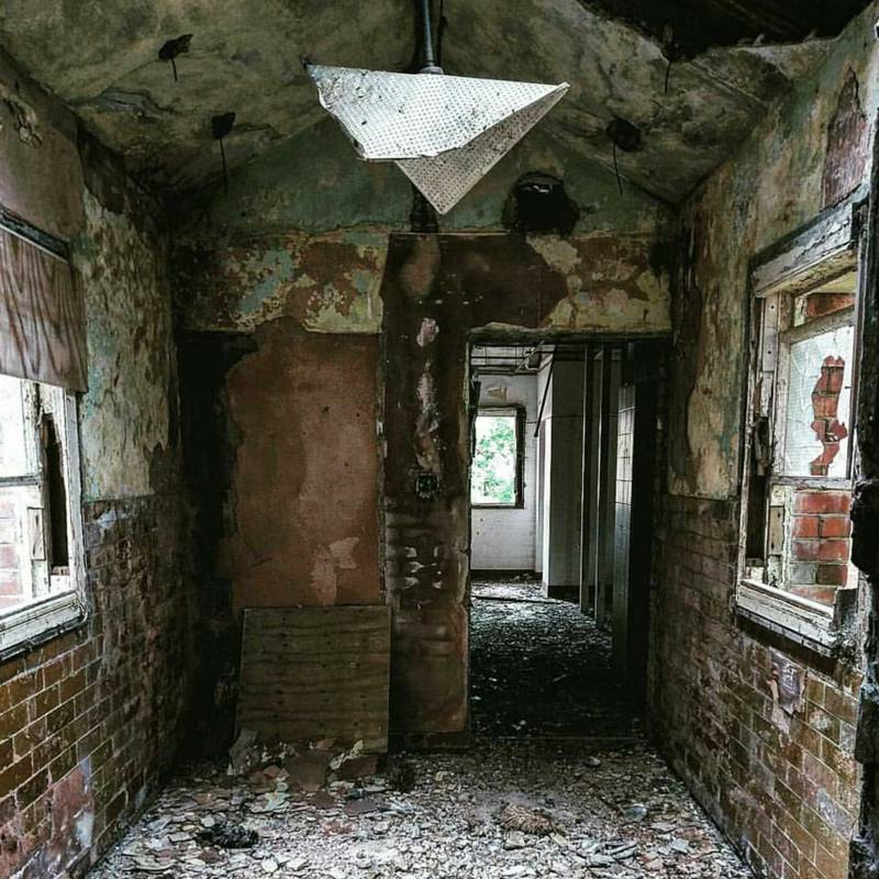 Lincoln Man Explores Abandoned Buildings In Eerie Photos