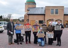 Vigil supports muslim community at Lincoln mosque