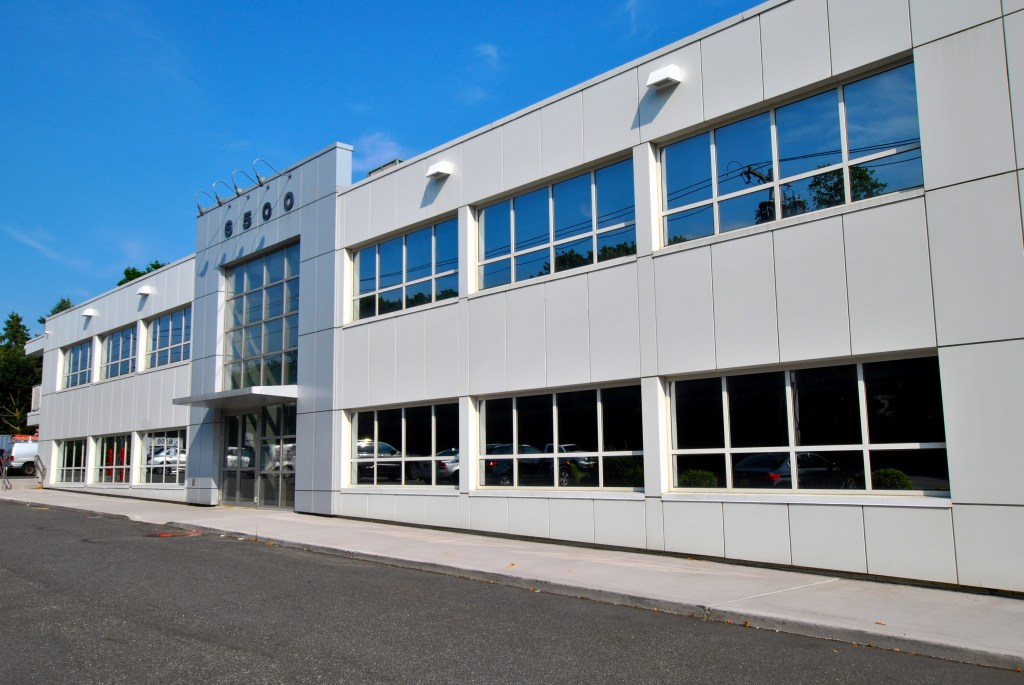 Commercial Real Estate Advisors specializing in commercial property on Long Island. This commercial building's financing was done by The Liquidity Source.