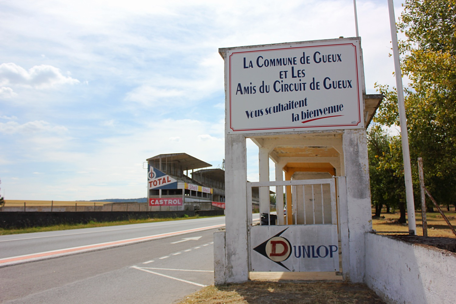 photo essay reims gueux old motor racing circuit the little i stayed on the main road snapping pictures and videos for a while and then realised i d lost the others it is quite a small place i shouldn t have been
